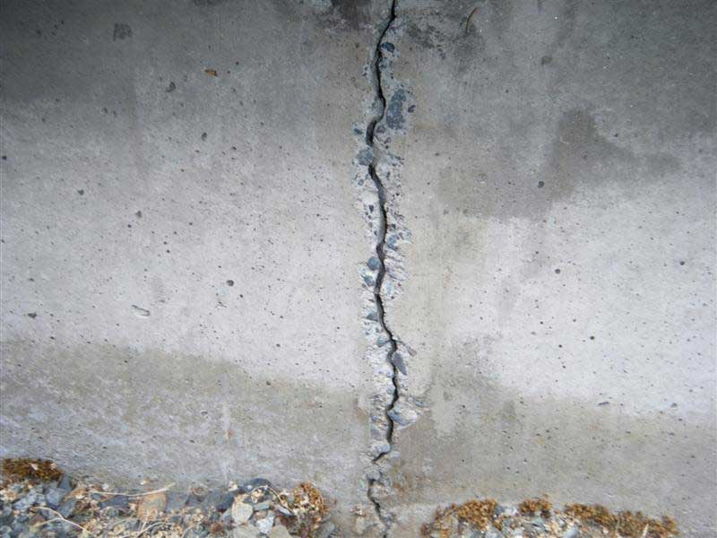Large wall crack being prepared for v-grooving